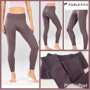 Fabletics Sculptknit High-Waisted Mesh 7/8, SZ.S